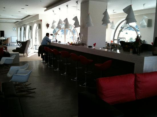 Seleni Suites Boutique Deluxe Hotel: The Bar