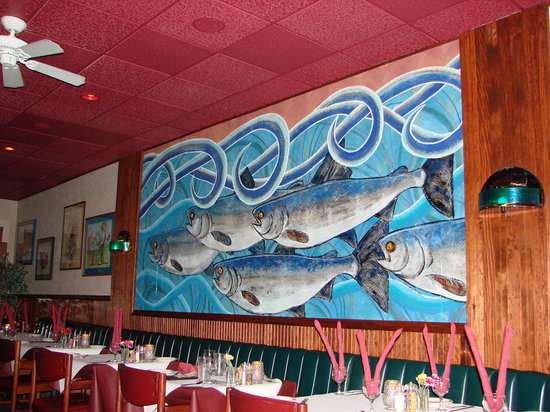 Silver Salmon Grille: Restaurant Interior