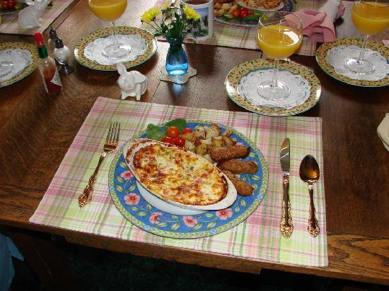 Astoria Inn: Delicious Breakfast!