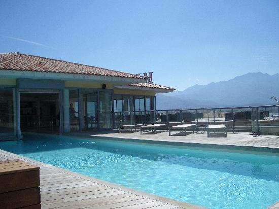 Hotel Mariana : View of rooftop pool