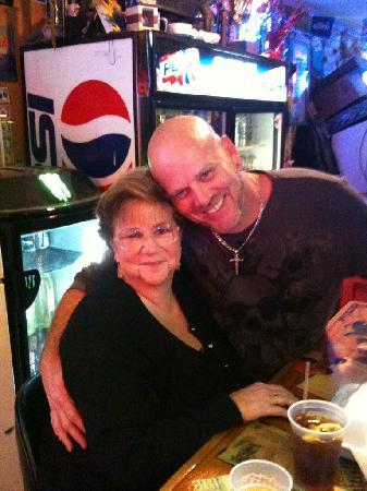 Dusty's Oyster Bar & Dining : Wife and Bob