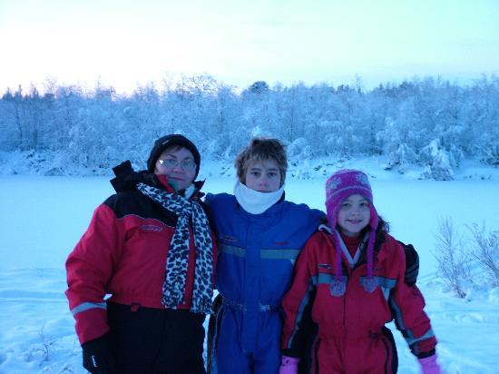 Davvi Arctic Lodge: me and my kids just arriving at the santa safari