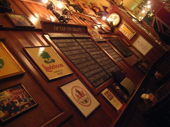 Proeflokaal Arendsnest: Healthy list of beers to choose from.