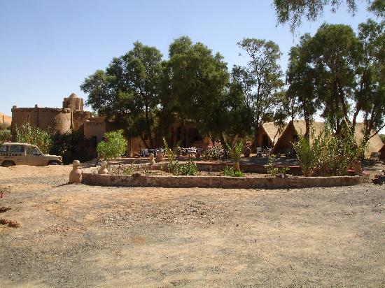 Auberge Ksar Sania: Ksar et jardin