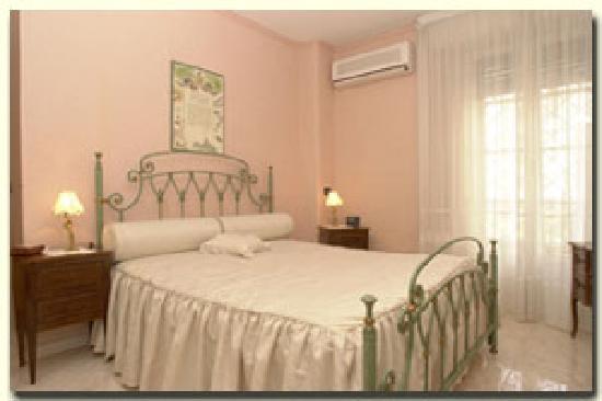 Happy Sleeping : camera da letto - bed room