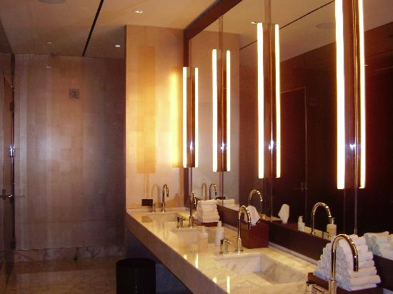 Bathroom On Bar Tea Lounge And Restaurant Level Picture Of Mandarin Oriental Las Vegas Las