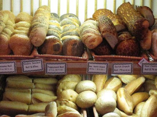 Basque Boulangerie Cafe: Fresh baked bread