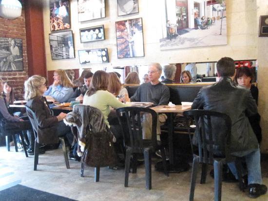 Basque Boulangerie Cafe : Patrons