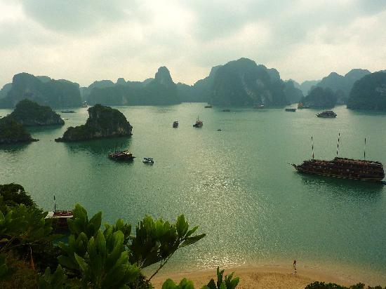 Hanoi Serenity Hotel: Halong from Titov Island