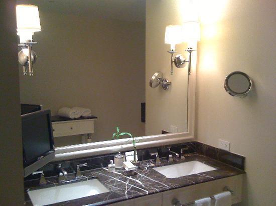 Mandarin Oriental, Atlanta: Premier Room: Bath