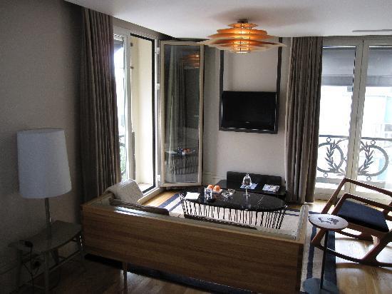 Witt Istanbul Suites: Living-room