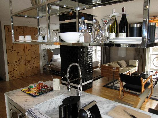 Witt Istanbul Suites: Kitchen