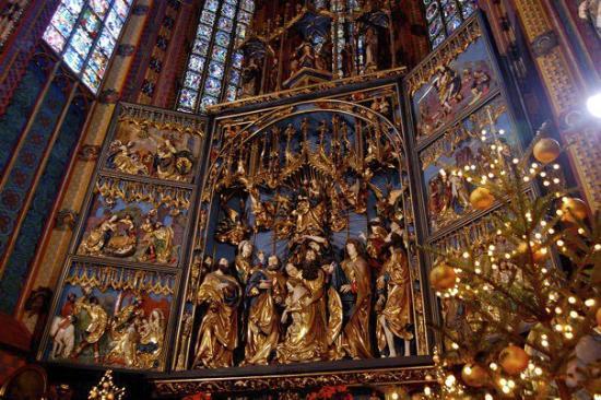 St. Mary's Basilica in Krakow: Wooden Altar by Veit Stoss
