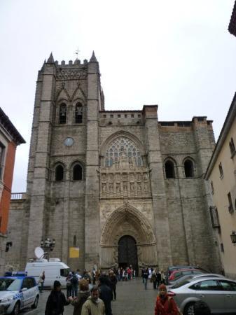 Avila fachada principal de la catedral fotograf a de vila provincia de vila tripadvisor - Hotel puerta de la santa avila ...