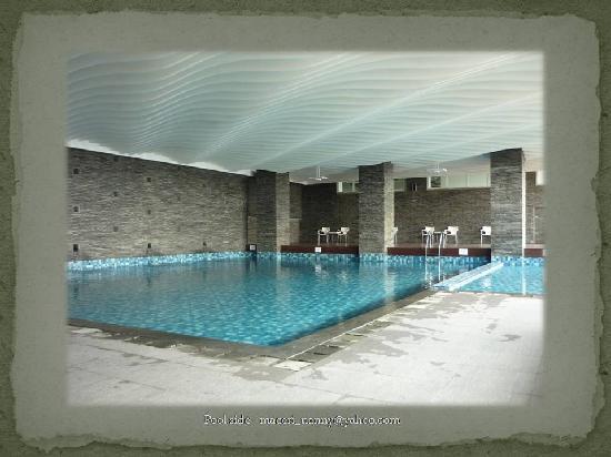 Swiss-Belhotel Mangga Besar: indoor pool