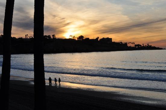 La Jolla Beach & Tennis Club: ... and the evening