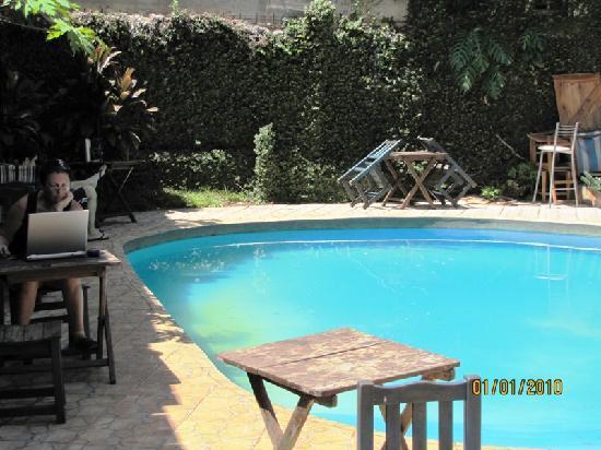 Hostel Sweet Hostel: piscina, lo mejor