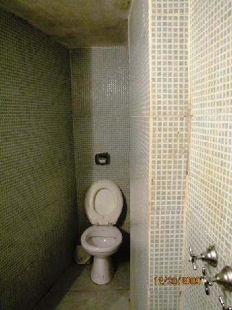 Hostel Sweet Hostel: el baño