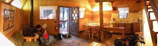 Arizona Mountain Inn & Cabins: Cabin 13 interior