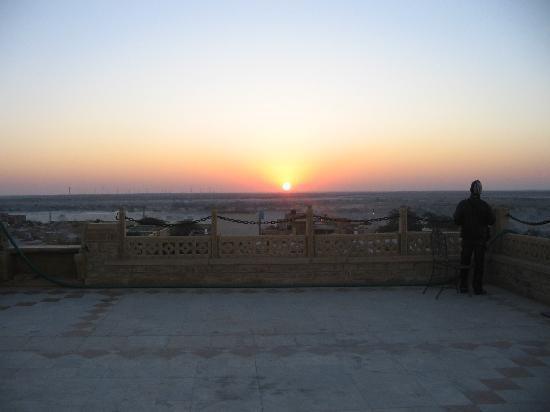 Narayan Niwas Palace : sun set from the rooftop