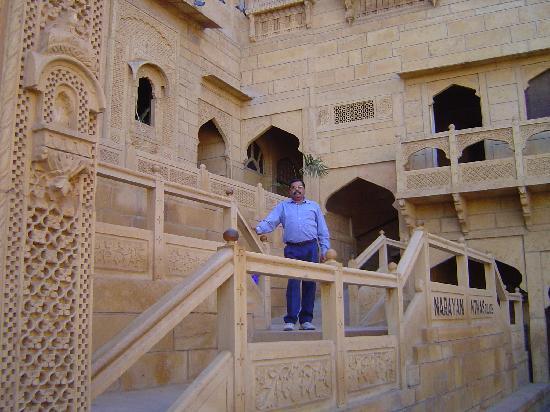 Narayan Niwas Palace : Hotel entrance