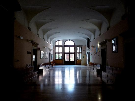 Istituto San Giuseppe : Hall downstairs