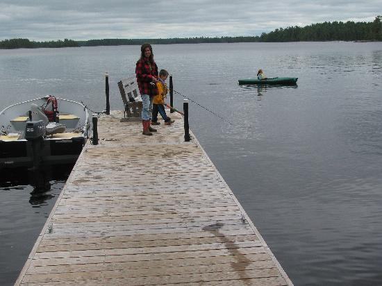 Big Lake Wilderness Lodge: DOCK FUN