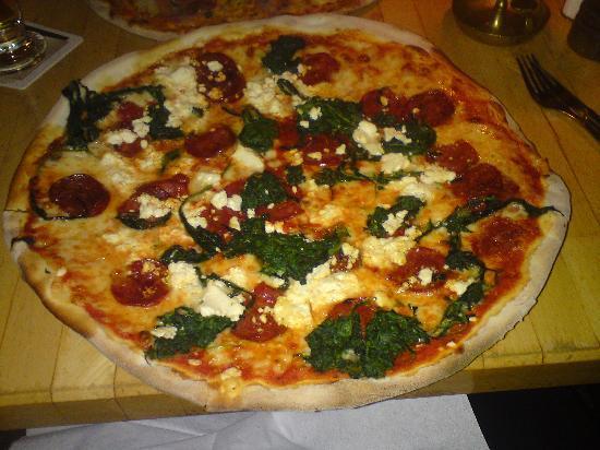 Hotel Vivaldi Berlin: best pizza ever!