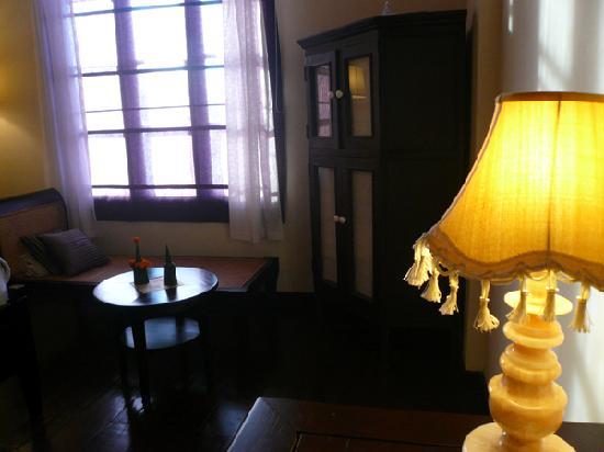Hotel Khamvongsa: 無駄にムーディー