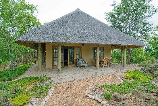 Casart Game Lodge: comfortable bush elegance