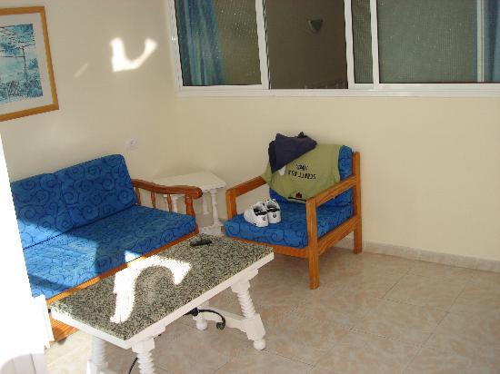Apartamentos Strelitzias: Sitting Room