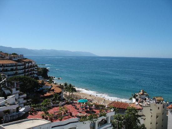 Boana Torre Malibu : #703 balcony view LEFT (south)