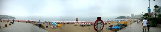 Busan, Korea Selatan: my panorama shot of Haeundae beach- the biggest and most famous beach in Korea
