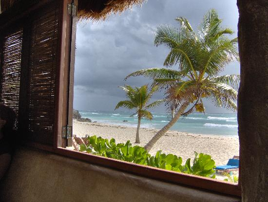beach from breakfast table picture of hotel calaluna. Black Bedroom Furniture Sets. Home Design Ideas