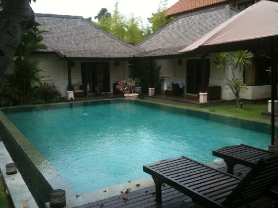 The Ulin Villas & Spa : check out the our viila pool. huge and lovely.