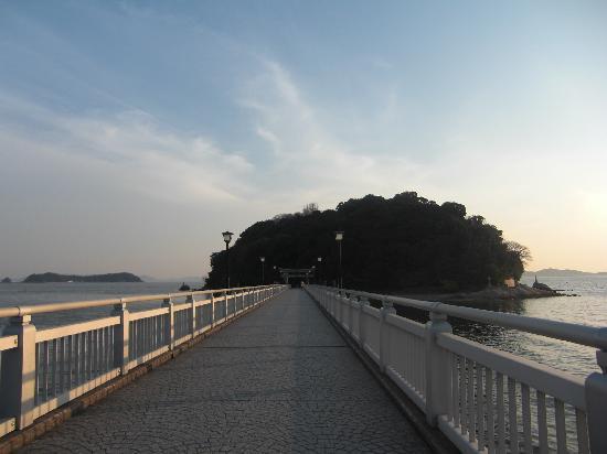 Gamagori, Japonya: 竹島への橋