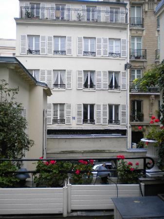 Hotel Duc de Saint Simon: view from terrace