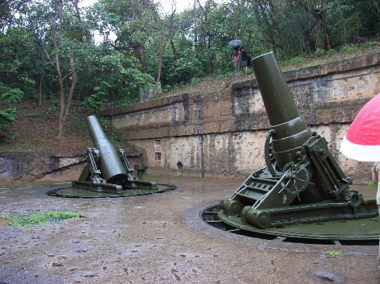 Corregidor Island, Φιλιππίνες: いたる所に砲台が残ってます