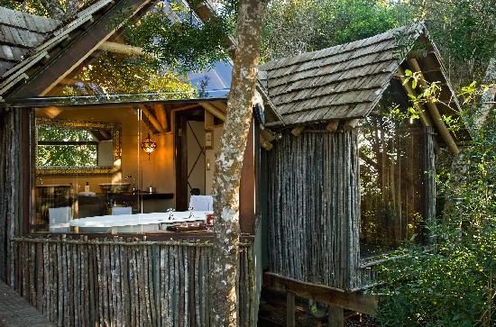 The Phantom Forest Eco-Reserve: bathroom from deck