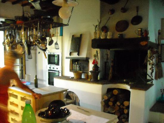 Casale Il Caggio: La cucina