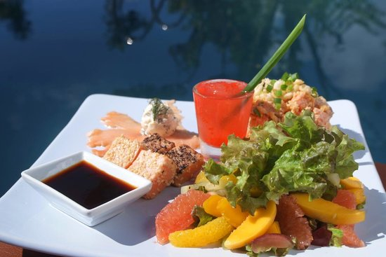 Nurture Wellness Village: Salmon Salad