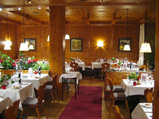 SPA Hotel Erzherzog Johann: Zirbenstube im Restaurant