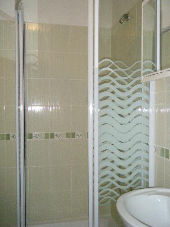 Metropolitan Old Town hotel: The shower