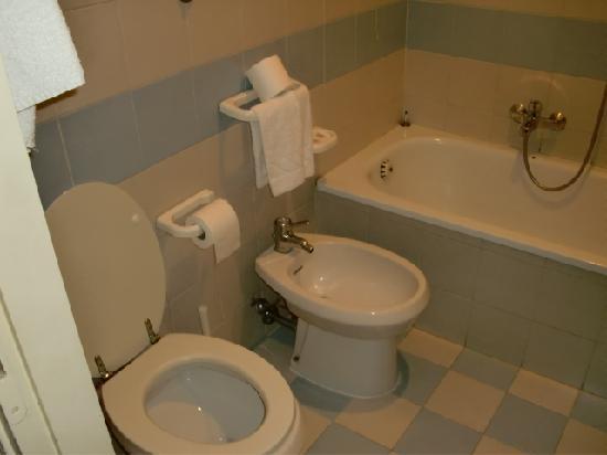 Hotel Orazia: toilet