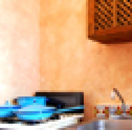 Andre Ha Caribbean Suites : Kitchen Facilities