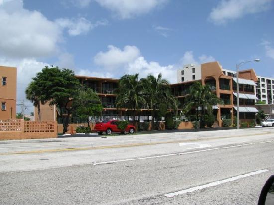 Lafayette Motel: vue de face de l'hotel