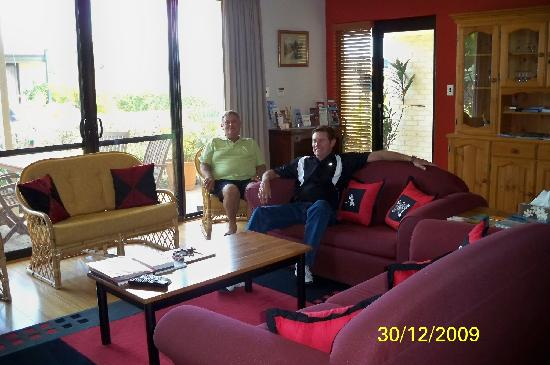 Baudins of Busselton: Main communal lounge