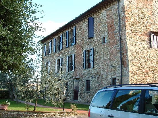 Villa Le Torri: Facade