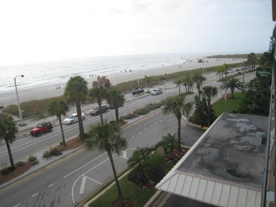 Holiday Inn Sarasota - Lido Beach: View from balcony