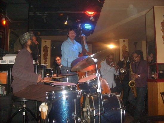 La Fidula: ein Foto von fast allen Musikern an jenem Abend